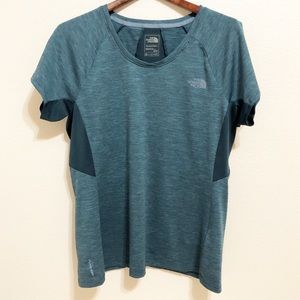 The North Face | Women's FlashDry Work out Shirt M